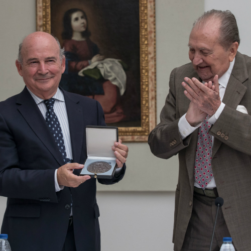 La Fundación Cruzcampo recibe la Medalla de Honor de la Fundación Rodríguez-Acosta por su labor de mecenazgo de la cultura andaluza